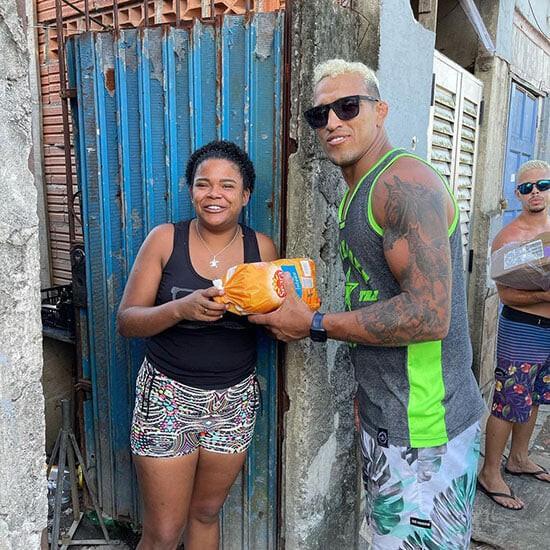 """Charles """"Do Bronx"""" Oliveira từ Favela: Bác sĩ từng chẩn đoán không thể đi lại, giờ vô địch UFC sau 10 năm thượng đài ảnh 4"""