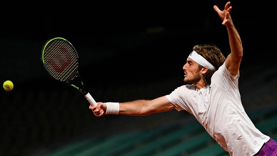 Roland Garros: Medvedev tiến vào tuần lễ thứ 2, gánh vác cả đại cục của người Nga ảnh 1