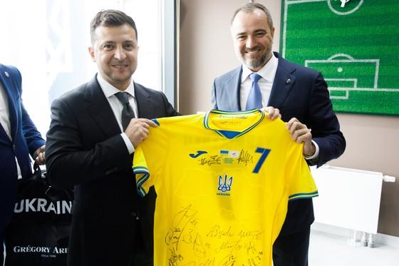 Tổng thống Zelensky và Chủ tịch LĐBĐ Ukraine