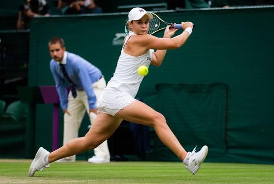 Wimbledon: Cựu vô địch Kerber đụng độ Đương kim Nữ Hoàng Barty ở bán kết ảnh 2