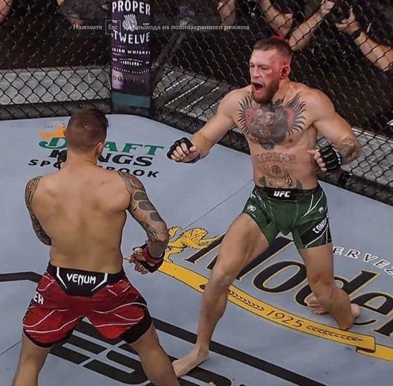 """UFC 264: """"Gã điên Ailen"""" Conor McGregor gãy mắt cá vì đặt sai chân trụ, Dustin Poirier thắng KO kỹ thuật  ảnh 1"""