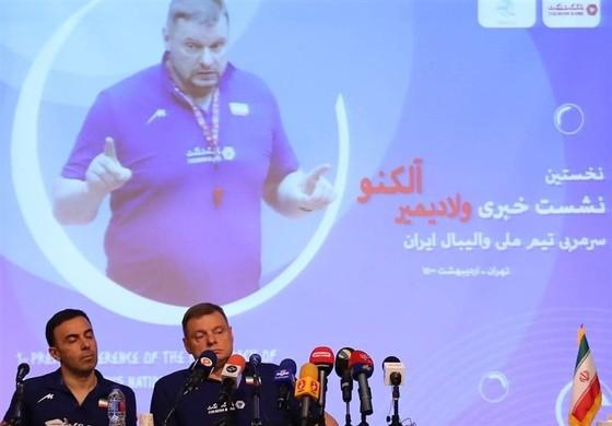 Olympic Tokyo: HLV Nga Alekno loại Ghaemi khỏi Đội tuyển bóng chuyền Iran, quyết định chuyên môn hay của mafia? ảnh 2