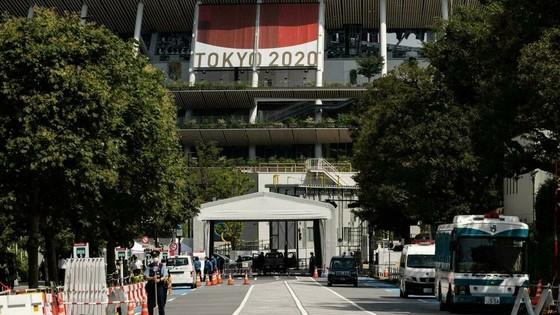 SVĐ Quốc gia Nhật Bản, địa điểm khai mạc và bế mạc Olympic trong hàng rào an ninh - y tế nghêm ngặt