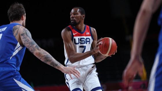 Kevin Durant trong trận đấu với CH Czech