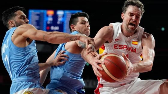 """Ngày mai, """"Vua ghi điểm"""" Kevin Durant cùng các đồng đội sẽ đấu tuyển bóng rổ Tây Ban Nha ảnh 2"""