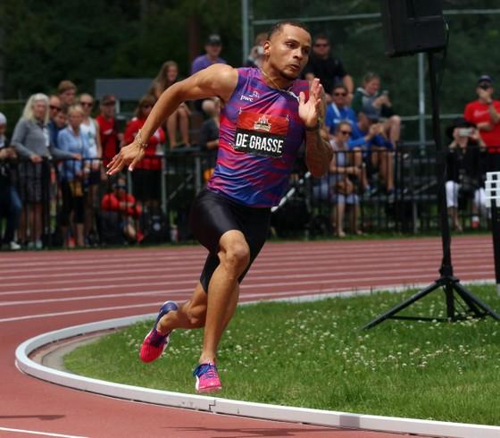 """""""Bại tướng của Usain Bolt"""" Andre de Grasse xưng hùng ở cự ly 200m, tuyển Mỹ bị loại ở cự ly tiếp sức 4x100m ảnh 3"""