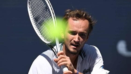 US Open: Gã trai 18 tuổi chấm dứt phiêu lưu, Daniil Medvedev đấu Felix Auger-Aliassime ở bán kết ảnh 2