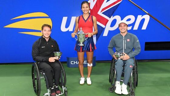 US Open: 'Quý cô' Emma Raducanu thắp lại ngọn lửa Anh sau 53 năm ở Grand Slam trên đất Mỹ ảnh 6