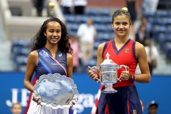US Open: 'Quý cô' Emma Raducanu thắp lại ngọn lửa Anh sau 53 năm ở Grand Slam trên đất Mỹ ảnh 5