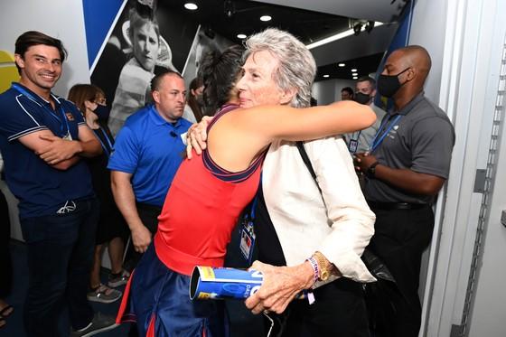 US Open: 'Quý cô' Emma Raducanu thắp lại ngọn lửa Anh sau 53 năm ở Grand Slam trên đất Mỹ ảnh 7