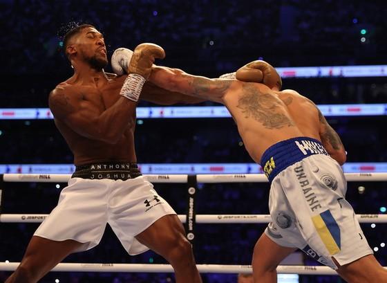 """Anthony Joshua vs Oleksandr Usyk: """"Miêu hiệp"""" cắt tỉa AJ """"cơ bắp"""", suýt thắng KO khiến cả Ukraine bùng nổ ảnh 2"""