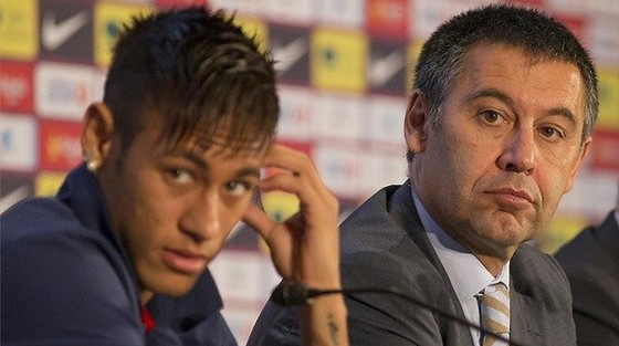 Chủ tịch Barcelona tiết lộ bí mật thương vụ Neymar và Coutinho ảnh 1