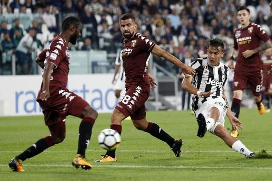 Serie A, vòng 6: Napoli thắng nhọc Spal, Dybala tỏa sáng trận derby ảnh 1