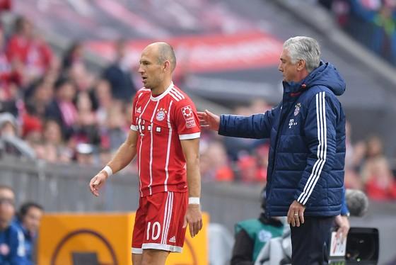 Arjen Robben cũng bị cho là nằm trong số những cầu thủ chống đối Carlo Ancelotti. Ảnh: Getty Images.