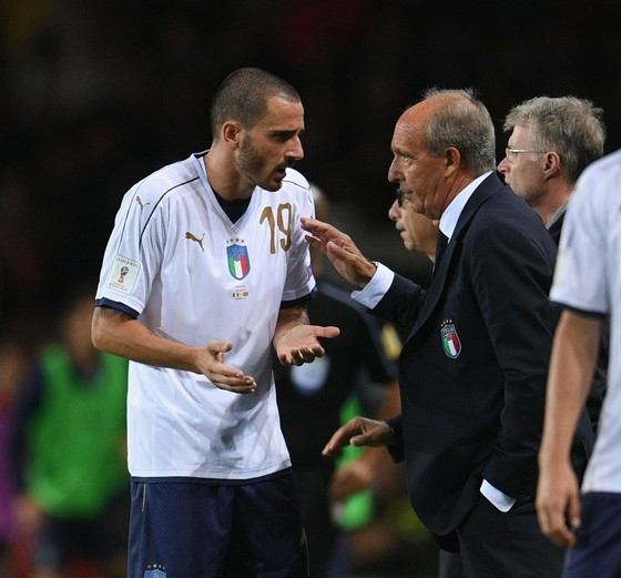 Báo chí Italia chỉ trích, đòi sa thải HLV Gian Piero Ventura ảnh 1