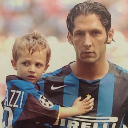 Chuyện nhà Materazzi: Bố yêu Inter, con thích Milan! ảnh 1