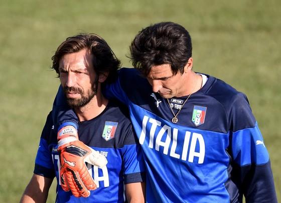 Thế giới bóng đá vinh danh tiền vệ bậc thầy Andrea Pirlo ảnh 4