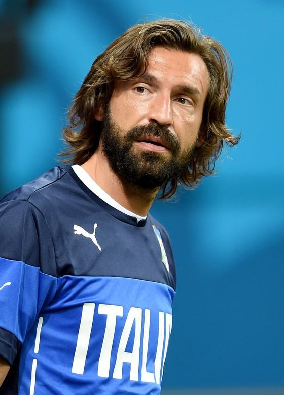 Thế giới bóng đá vinh danh tiền vệ bậc thầy Andrea Pirlo ảnh 1