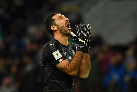 Hình ảnh Gigi Buffon xuất hiện ở khắp châu Âu. Ảnh Getty Images.