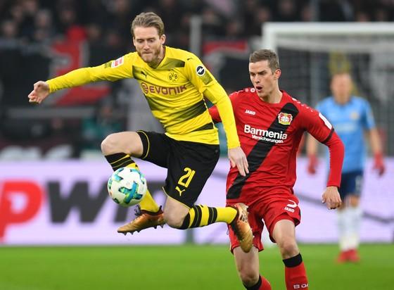 Bundesliga: Bayern bay cao ngôi đầu, Dortmund vẫn chìm trong khủng hoảng ảnh 1