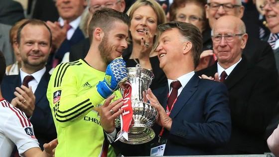 """Van Gaal chê Manchester United của Mourinho """"đá chán"""" ảnh 3"""