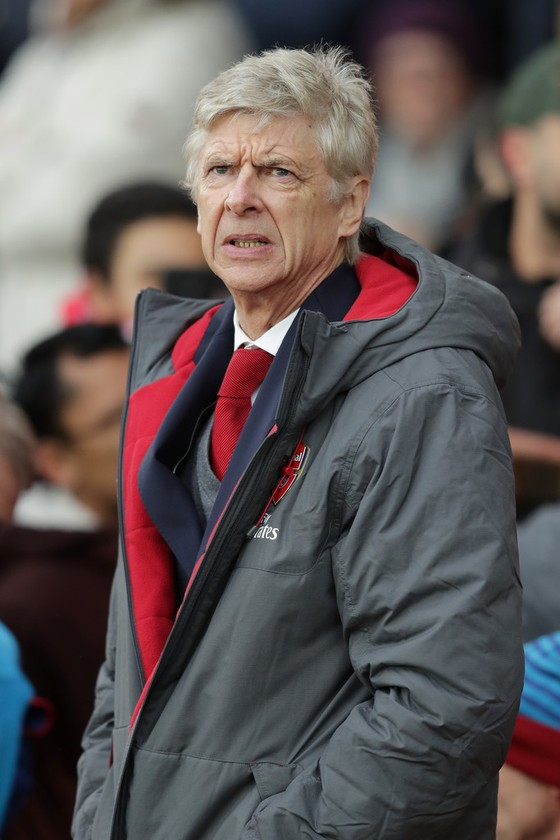 Wenger không từ bỏ hy vọng vô địch ảnh 1