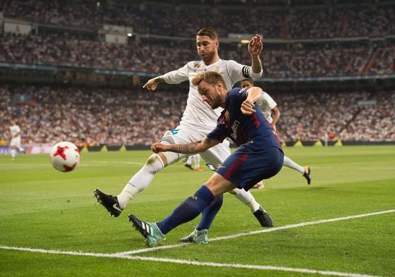 Siêu kinh điển Real – Barca: Giáng sinh hạnh phúc cho Messi ảnh 1