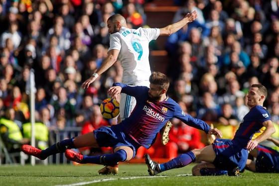 Thua El Clasico, Real Madrid vẫn từ chối bỏ cuộc ảnh 4