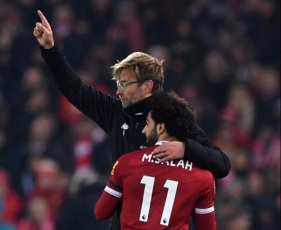 HLV Jurgen Klopp vẫn chờ Salah đến phút chót.