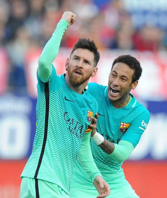 Vì sao Neymar luôn quý mến Messi ảnh 1