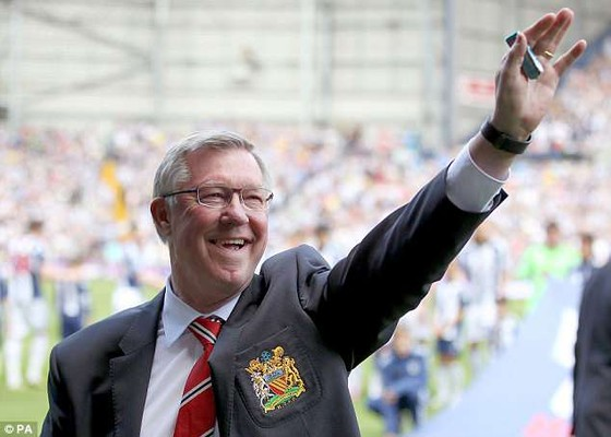 Giới bóng đá cầu mong Sir Alex khỏe lại.
