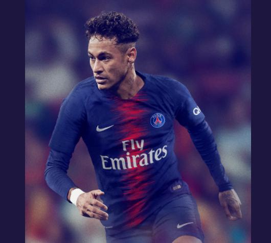 Neymar mặc áo PSG mùa giải tới.