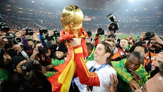 Sergio Ramos liệu có thể giương cao Cúp thế giới lần nữa?