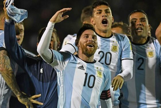 Lionel Messi không tin Ronaldo sẽ tỏa sáng ở World Cup 2018. sáng