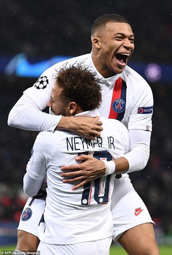 Vì sao Neymar phải nhường Cavani đá 11m ảnh 2