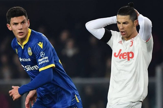 Kỷ lục Cristiano Ronaldo trong ngày buồn Juventus