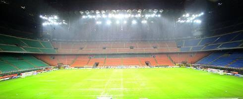 Bóng đá Italia ứng phó mùa dịch Covid-19: Chơi trên sân không khán giả