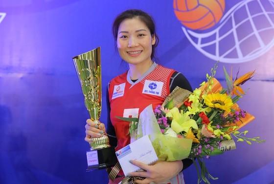 Phạm Thị Yến lần đầu làm trợ lý đội trẻ quốc gia. Tác giả: TRẦN QUANG