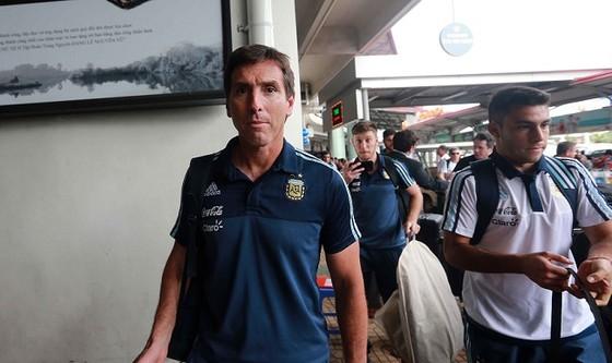 U20 Argentina được đón nồng hậu tại Hà Nội ảnh 1