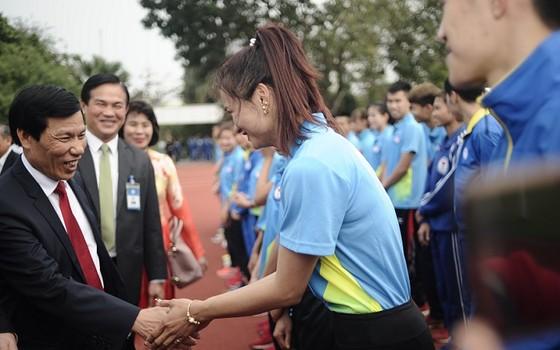 Bộ trưởng Nguyễn Ngọc Thiện đã thăm các VĐV chuẩn bị SEA Games 2017. Nguồn: tư liệu