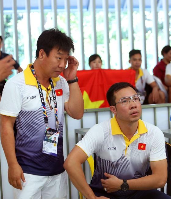 Hoàng Xuân Vinh, Trần Quốc Cường thua sốc tại 50m súng ngắn bắn chậm ảnh 1
