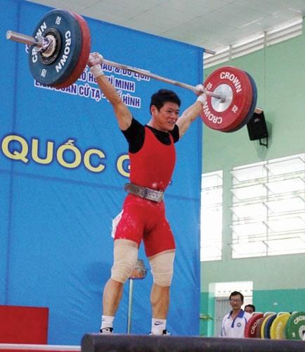 Kim Tuấn vẫn là nhà vô địch hạng 56kg thi đấu toàn quốc. Ảnh: N.NHÂN