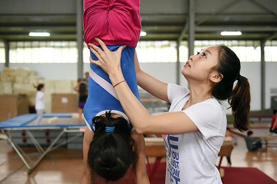 Cựu VĐV Đỗ Thị Ngân Thương giờ đã là HLV huấn luyện rất triển vọng ở tuyến trẻ TDDC Hà Nội. Nguồn: QUANG HIẾU.BCP