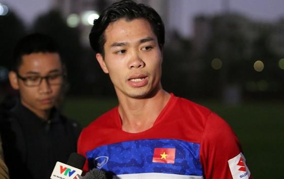 Công Phượng vẫn là cầu thủ được mọi người chú ý dù ở U.23. Ảnh: MINH HOÀNG