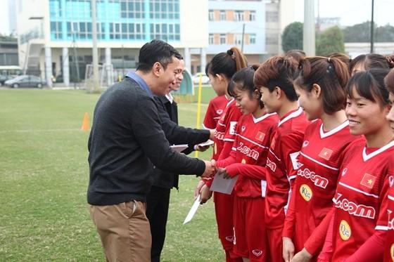 HLV Mai Đức Chung tin ở một sự bất ngờ tại giải vô địch châu Á ảnh 1
