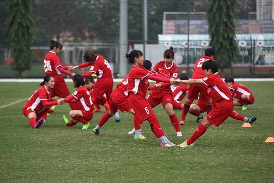 Đội tuyển bóng đá nữ Việt Nam bắt đầu hành trình tập luyện cho VCK giải vô địch châu Á 2018. Ảnh:  Đoàn Nhật