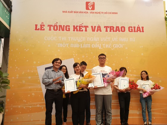 Truyện ngắn 'Tràng Phan' đoạt giải nhất cuộc thi 'Một nửa làm đầy thế giới' ảnh 2