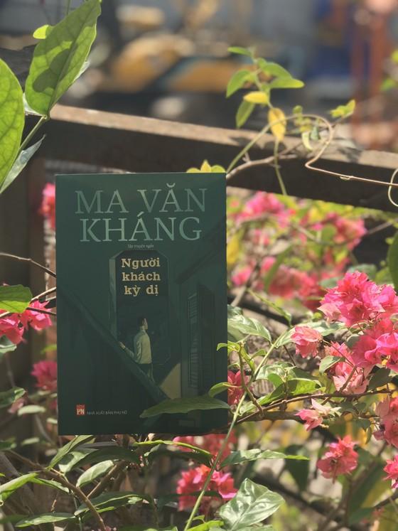 Nhà văn Ma Văn Kháng ra mắt tập truyện ngắn 'Người khách kỳ dị' ảnh 1