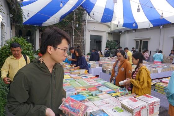 Nhiều hội sách cũ được tổ chức, giá rẻ như cho ảnh 2