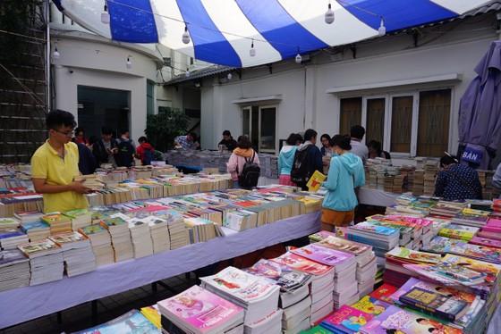 Nhiều hội sách cũ được tổ chức, giá rẻ như cho ảnh 1